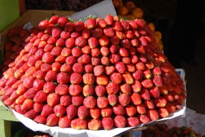 Fresh Strawberries for Sale, Cuzco