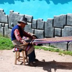 Weaving the Lliqlla
