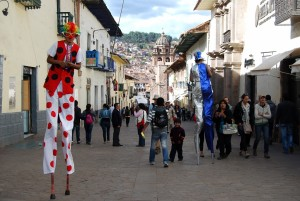 Jaladores on Stilts on Marquez near the Plaza