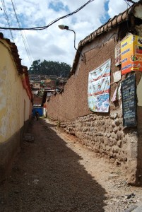 A Narrow Entrance to Try One of the Best Cuzco's Traditional Food