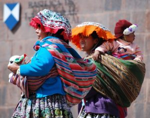 Cholitas from Rural Cuzco Looking for Tourists to Sell to in The City