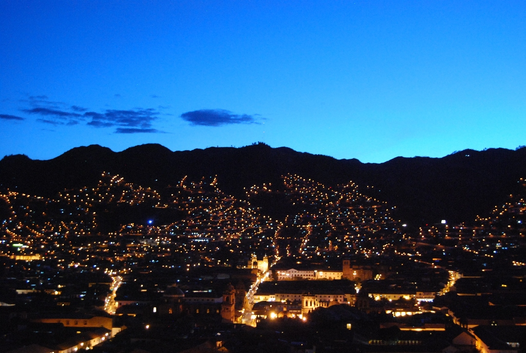 Cuzco by Night (Walter Coraza Morveli)