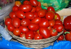 Fresh Tomatoes for a Lomo Saltado