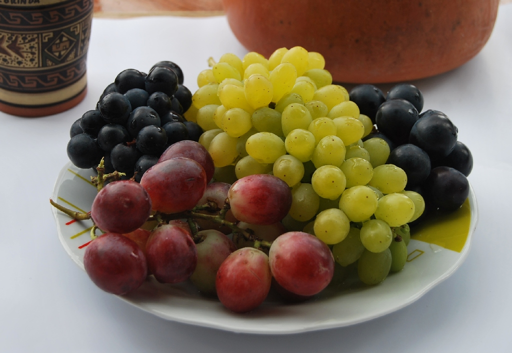 Twelve grapes for the New Year - Cuzco Eats