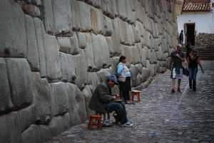 Walking Trough Cuzco's Inca Streets (Photo: Walter Coraza)