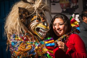 Beauty and the Saqra, Having Fun in Cuzco (Photo: Walter Coraza).