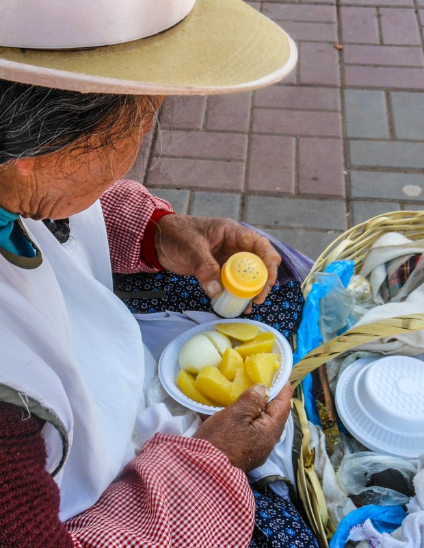 Boiled Potatoes and Egg for Breakfast in Cuzco (Photo: Walter Coraza Morveli)