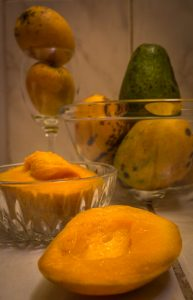 Mangos Ready to Make a Good Juice (Walter Coraza Morveli)