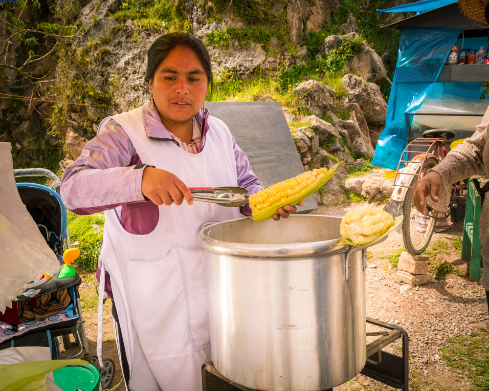 Cheese and Fresh Corn, a Natural Fast Food in Cuzco (Walter Coraza Morveli)